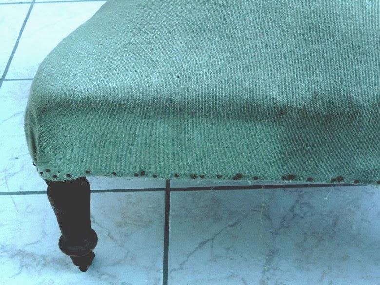 nanouanne peindre un fauteuil en velours. Black Bedroom Furniture Sets. Home Design Ideas