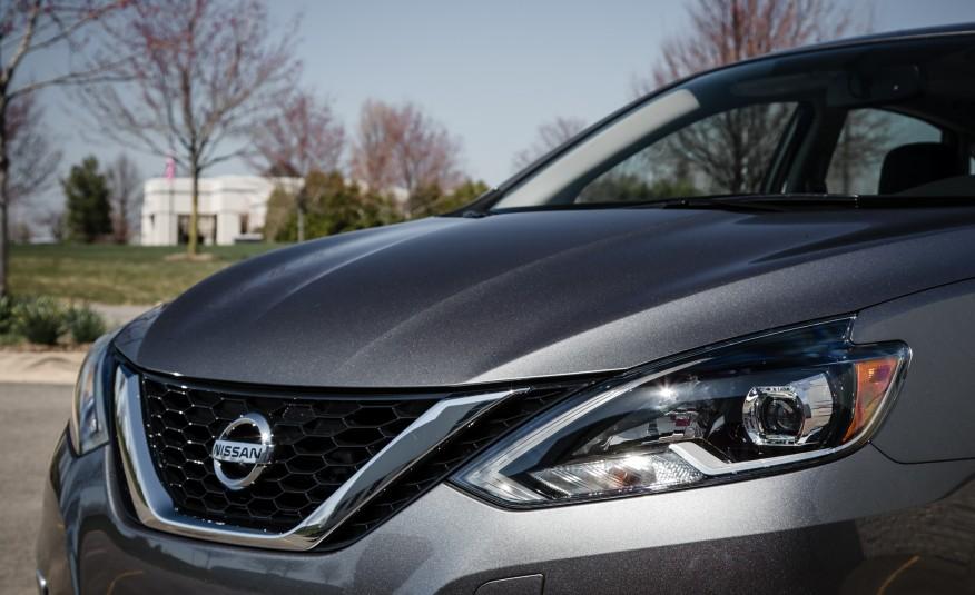 Đánh giá xe Nissan Sentra 2016