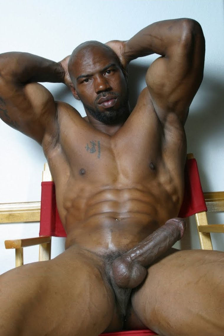 Black muscle men havng oral sex