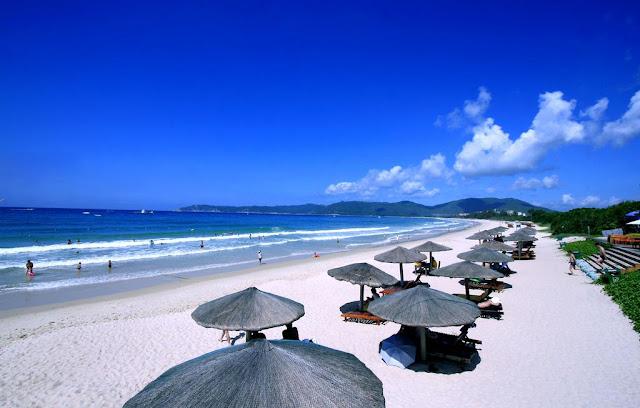 Bãi biển Yalong Bay