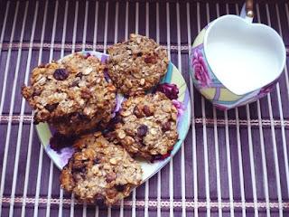http://vkusnyachki.blogspot.com/ Диетическое овсяное печенье с яблоком и ананасом