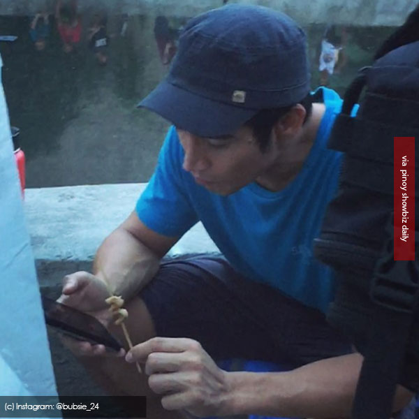Spotted: Piolo Pascual eating Isaw