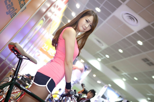 Model Cantik Korea Han Chae Yee