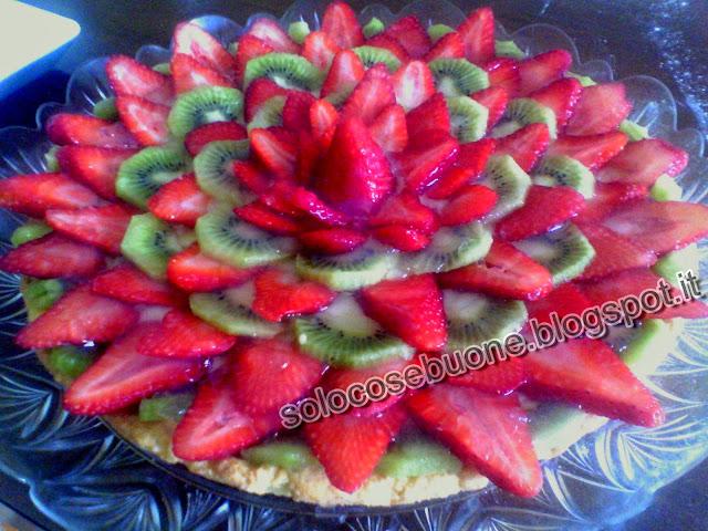 crostata fragole e kiwi