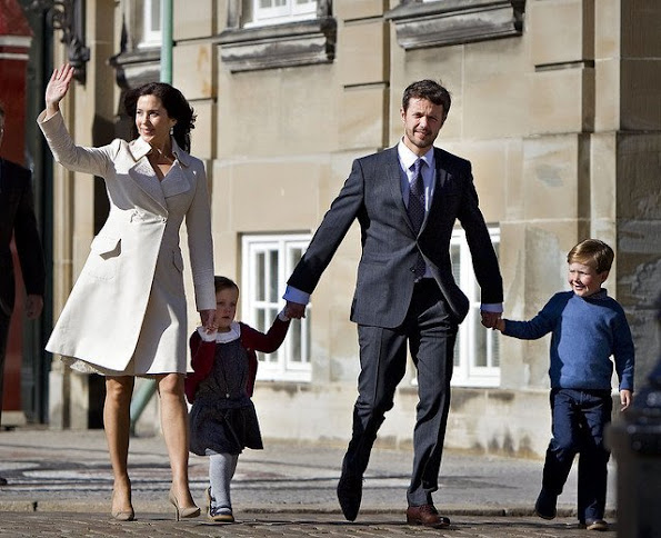 Prince Frederik and Princess Mary got married at Copenhagen Cathedral wedding ceremony wedding dress, diamond earrings, diamond tiara, Princess Mary style