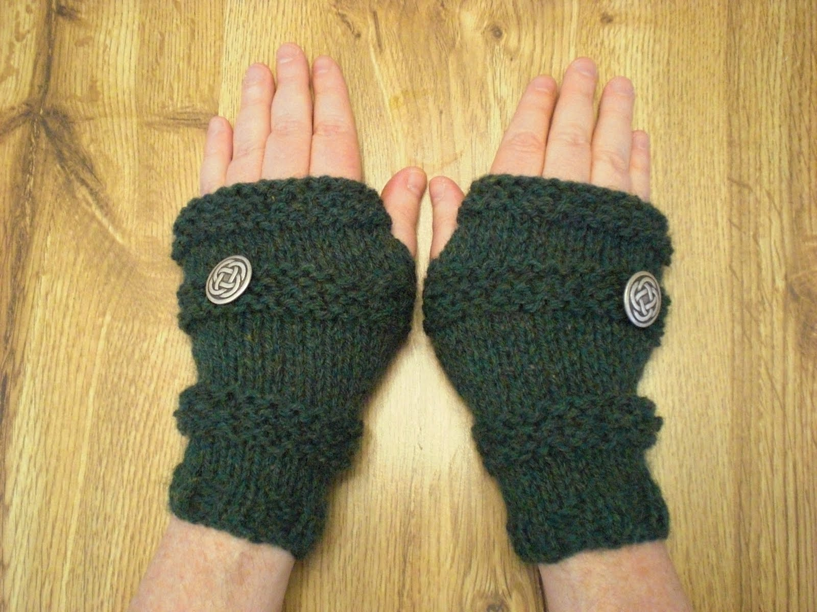 Fingerless gloves edmonton - See I Don T Really Have Long And Slender If Somewhat Bluish Fingers No I Have Stubby Chubbies And A Broad Palm But Baby I Can Still Work Magic With