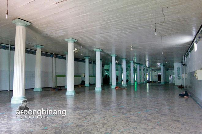 lorong masuk masjid jami annawier pekojan