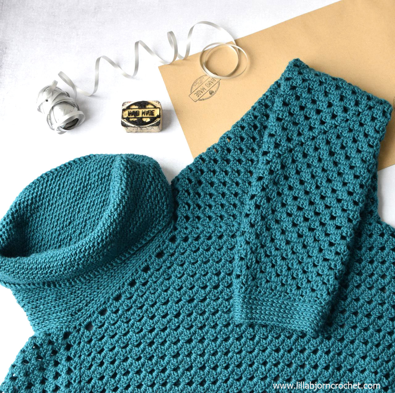 594c0ec7d Today I would like to show you my hot off the hook sweater. I made it  following the video course Get Squared by Jenny King – a crochet designer  from ...