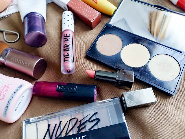whats-in-my-travel-makeup-bag-mizzu-dear-me-loreal