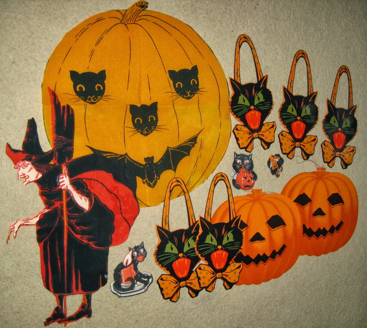 Vintage Halloween Collectibles 62