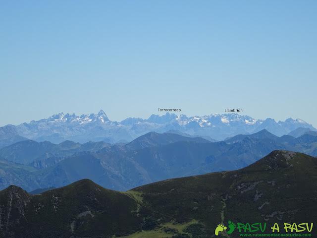 Ruta al Tres Concejos y Estorbin: Picos de Europa desde el Tres Concejos