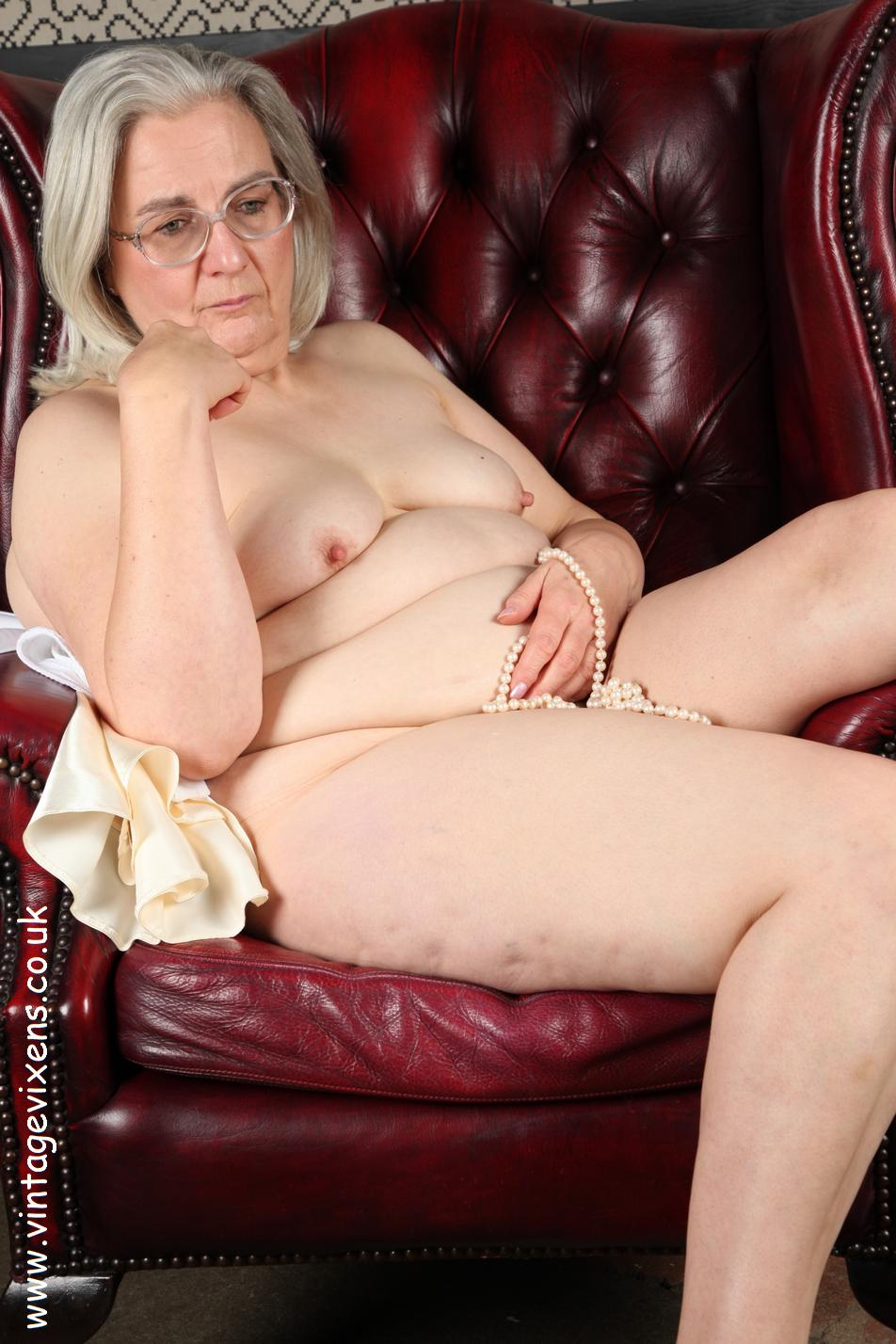 Archive Of Old Women Grannies New Photosets-8565