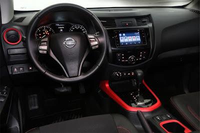 A Nissan Frontier Attack ainda conta com itens de serie pensados para oferecer ainda  mais seguranca aos usuarios da picape, e entre esses itens teremos: