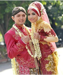 Contoh Model Gaun Pengantin Muslim Adat Jawa