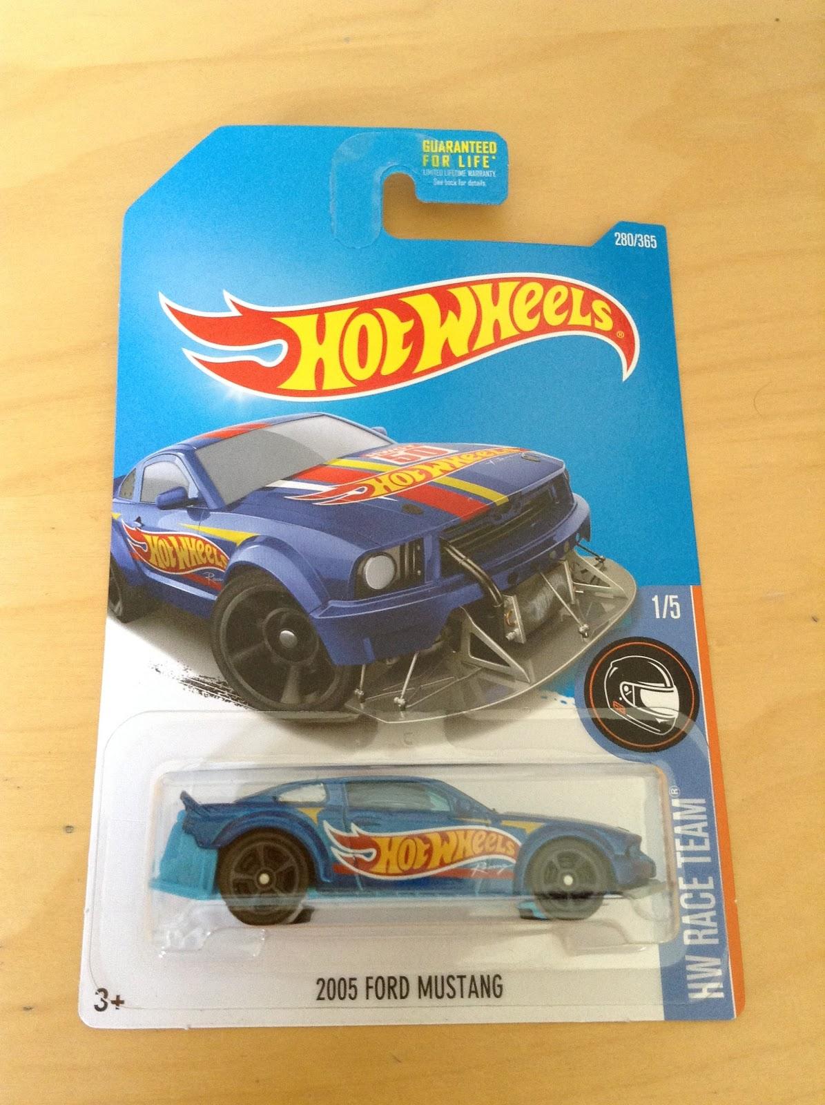 Julian's Hot Wheels Blog: 2005 Ford Mustang (2017 HW Race Team)