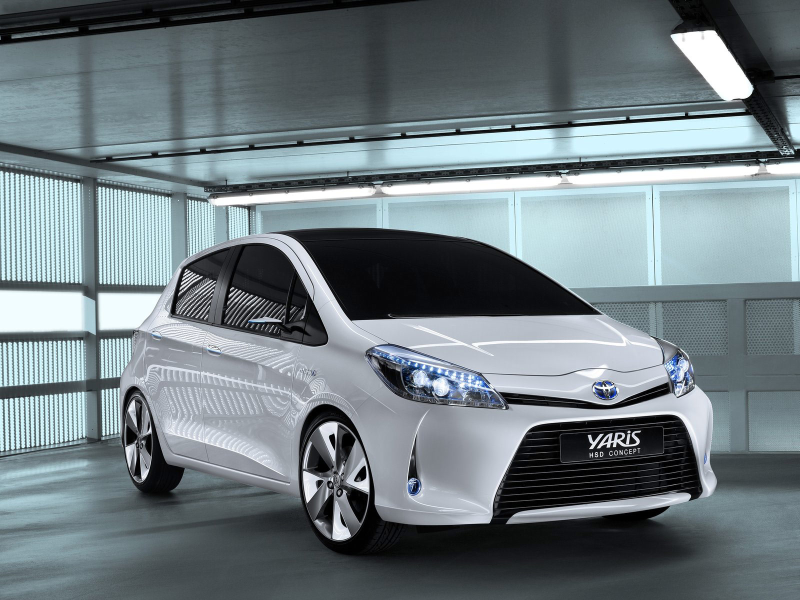 toyota yaris hsd concept photos 2011 car accident lawyer. Black Bedroom Furniture Sets. Home Design Ideas