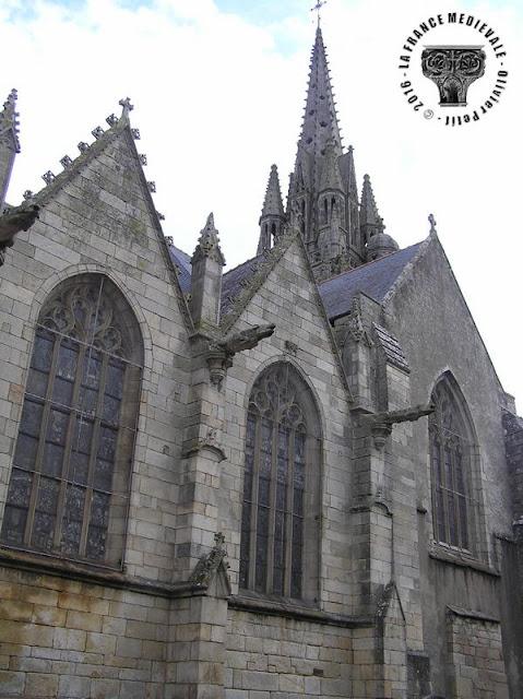 JOSSELIN (56) - Eglise Notre-Dame du Roncier (XIIe-XVIe siècles) (Extérieur)