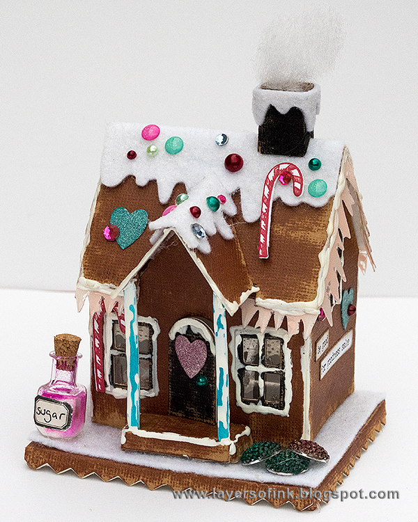 Layers of ink - Make your own gingerbread house tutorial by Anna-Karin