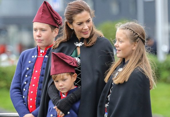 Prince Frederik, Princess Mary, Christian, Isabella, Josephine and Vincent wearing Faroe national costumes