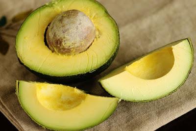 alpukat, manfaat alpukat, manfaat alpukat untuk kesehatan, kandungan gizi alpukat, kandungan nutrisi alpukat,
