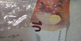 Μετανάστες στον Έβρο πήραν ξύλα για να ζεσταθούν και άφησαν 10 ευρώ και ένα σημείωμα