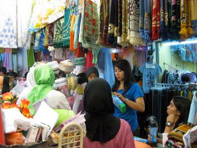 Pusat Grosir Pakaian Jadi Di ITC Kebon Kelapa Bandung