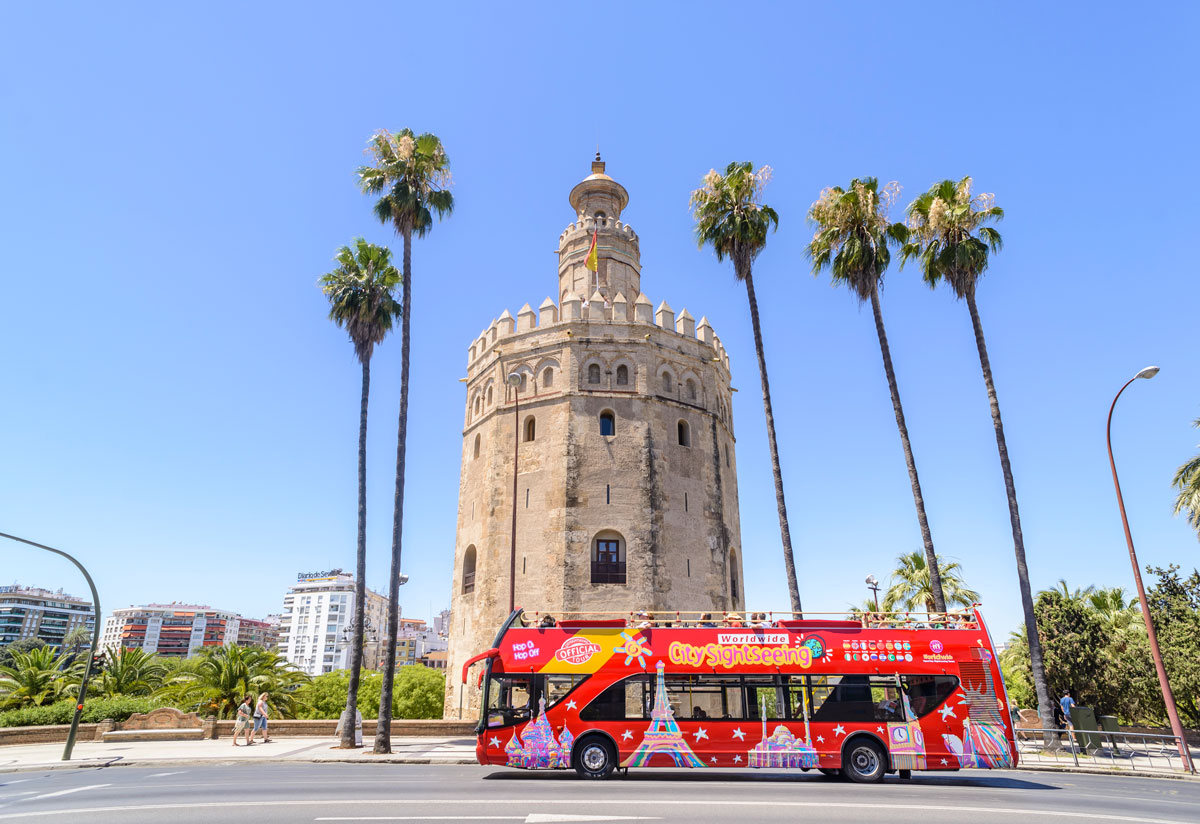 bus city sightseeing sevilla torre oro