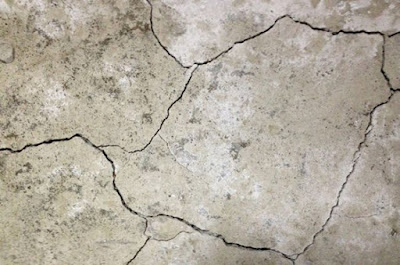 Cracks in Concrete Construction