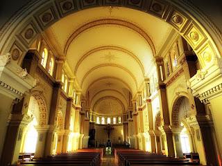 Interior da Catedral Angelopolitana, em Santo Ângelo.