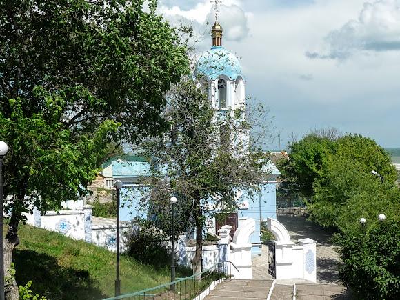 Генічеськ. Церква Різдва Пресвятої Богородиці