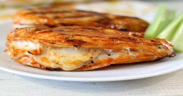 Grilled Cheesy Buffalo Chicken Recipe