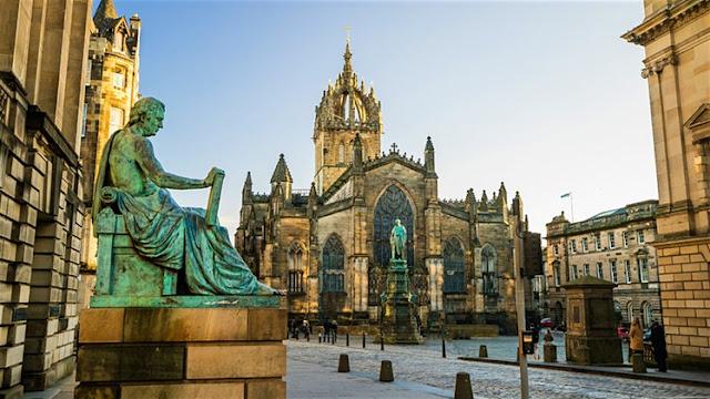 منح دراسية مقدمة من جامعة Edinburgh لدراسة الماجستير