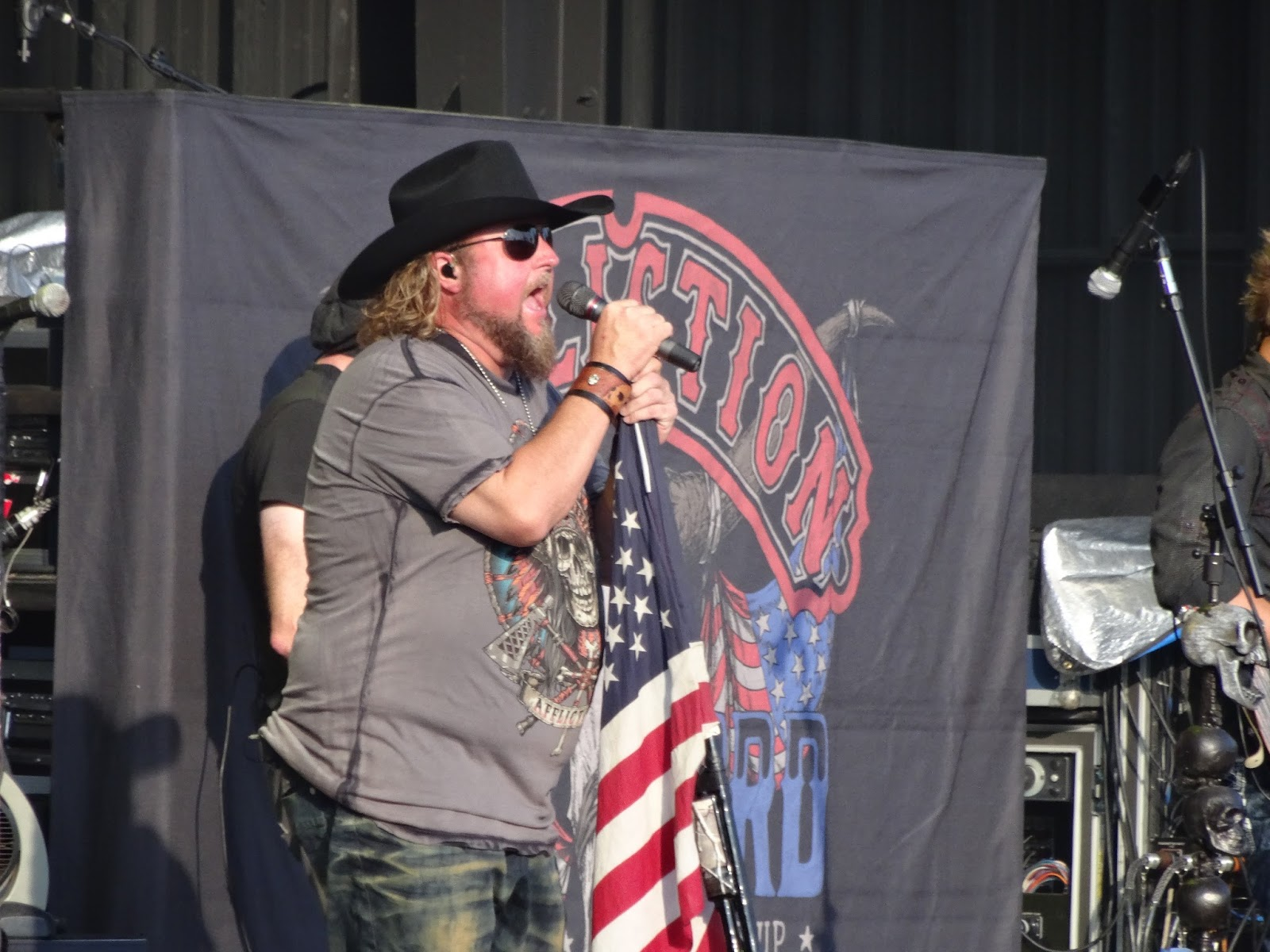 Colt ford is one of the biggest stars in the country rap subgenre he is very patriotic and not afraid to show it throughout his performance