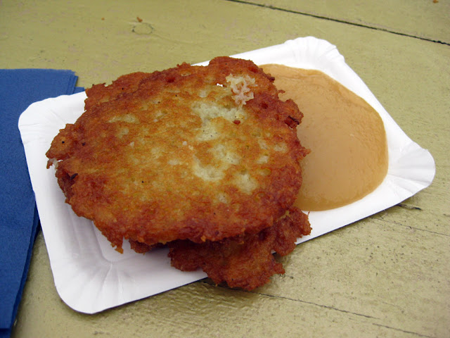 Kartoffelpuffer mit Apfelmus, or potato pancakes with applesauce, German Christmas Market food