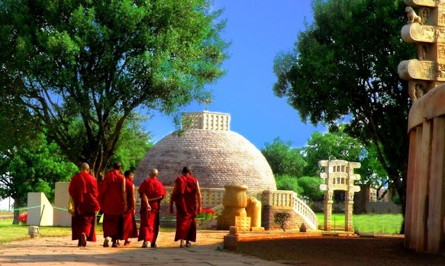 Sanchi Stupa Objek Wisata Peninggalan Raja Ashoka dan Kemegahannya