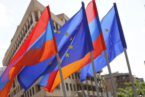 Europa espera aún hoja de ruta de Armenia