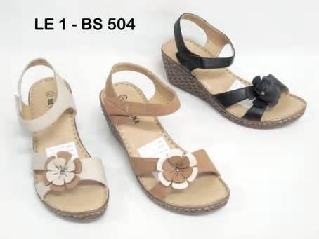 Sandal Wanita Model Sandal Lebaran Tahun Ini 86