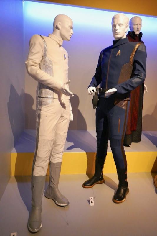 Hugh Culber Ash Tyler Star Tre: Discovery costumes