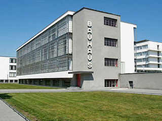 http://www.architecturaldigest.com/story/bauhaus-museum-competition