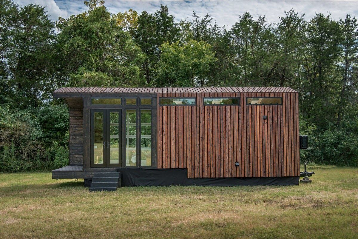 14-Front-of-the-House-New-Frontier-TH-Architecture-The-Orchid-Tiny-House-www-designstack-co