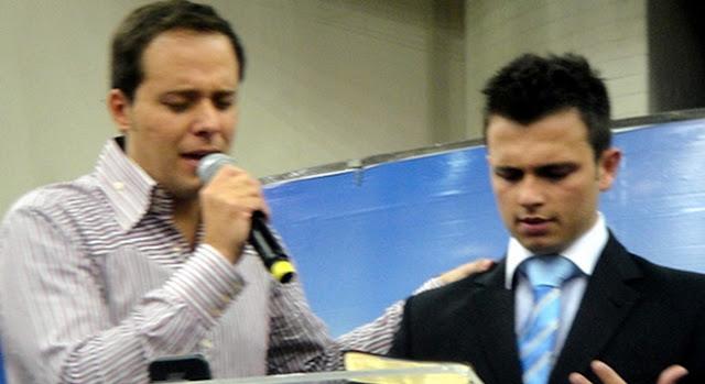 Pastor Patrick Moura ao lado de André Valadão