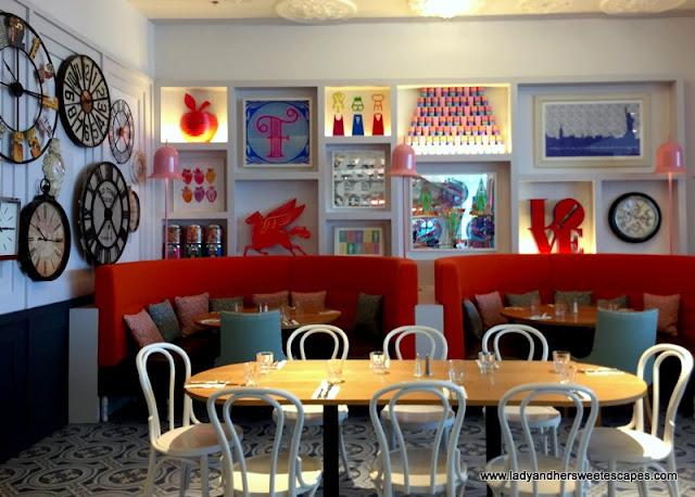Serendipity 3 restaurant interiors