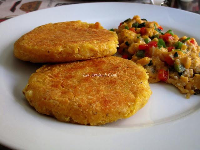Arepas de maíz con queso