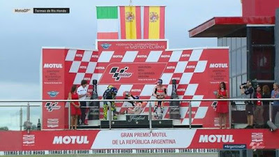 Marquez Hampir Tendang Rossi di Atas Podium GP Argentina