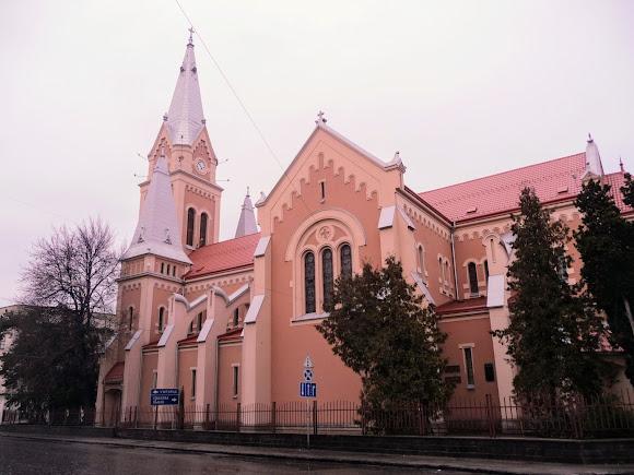 Мукачево. Кафедральний собор св. Мартина з Туру