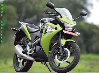Untuk saat ini Harga baru Honda CB150R memiliki 2 varian, tipe standar membawa Rp 24.075.000, dan varian Special Edition memiliki harga motor Rp 24.575.000
