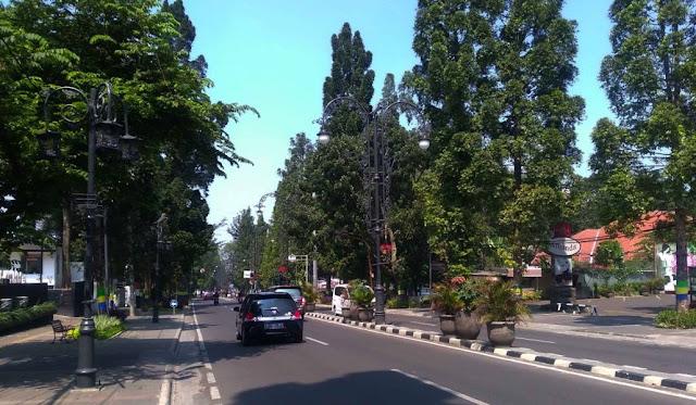 Jalan Paling Ramai dikunjungi Wisatawan di Kota Bandung