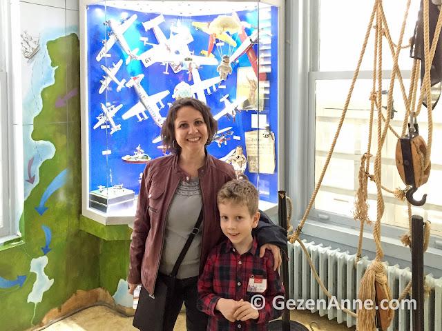 İstanbul Oyuncak müzesini gezerken