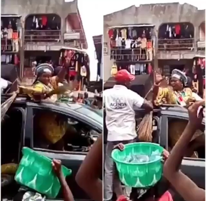 Angry Nigerians Screams 'Buhari Must Go' As They Stone APC Campaign Team In Edo State.