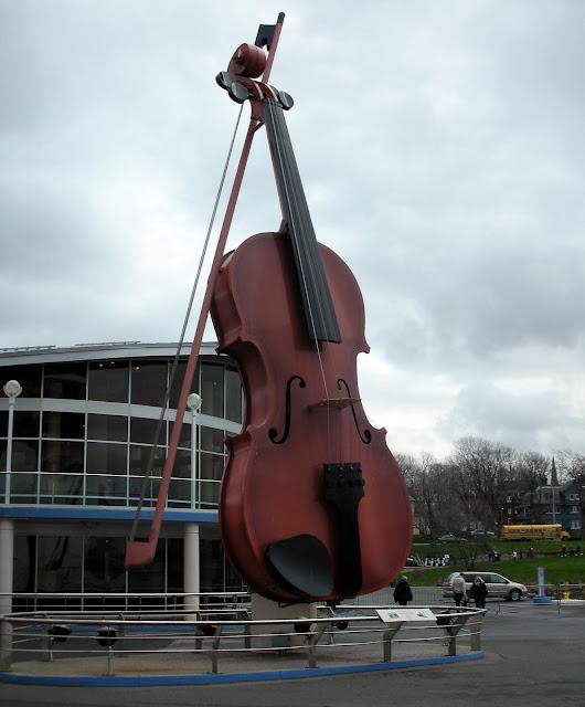 giant violin
